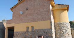 Chalet Unifamiliar en Urbanización Montelar